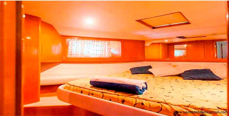 Yacht-Rentals-in-cancun-frenesia-48-pies-10