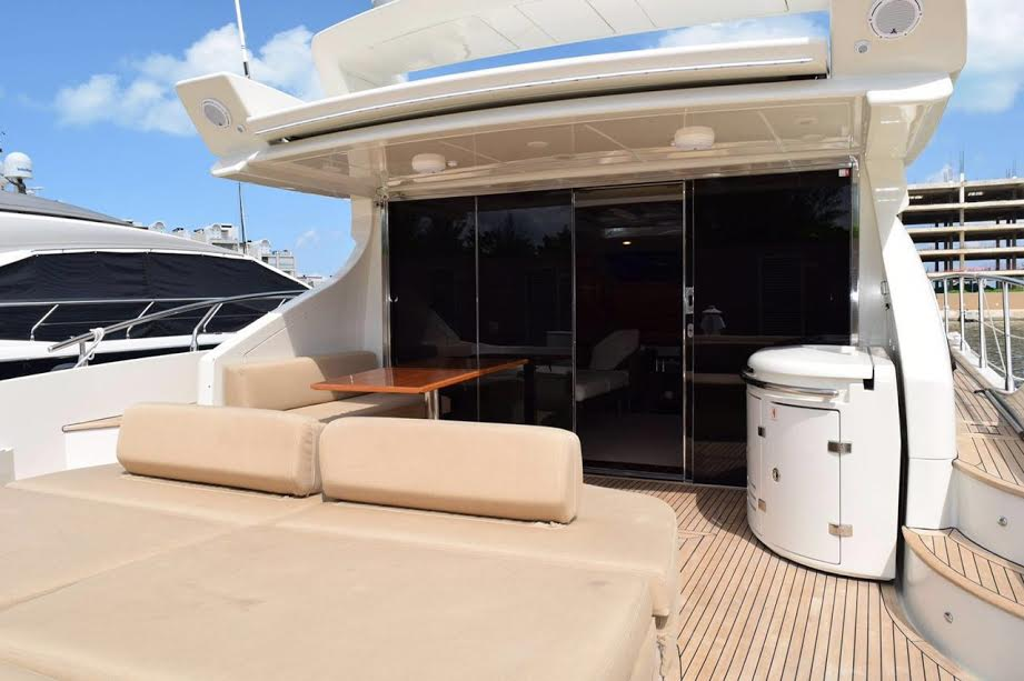 Yacht Charters in Cancun private Luxury fishing yacht charter in cancun sport fishing isla mujeres puerto morelos puerto aventuras cozumel fishing boat fishing charter fishing trip Caribbean Azimut 68 feet with flybridge