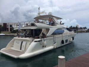 Azimut 85 cancun yacht charters