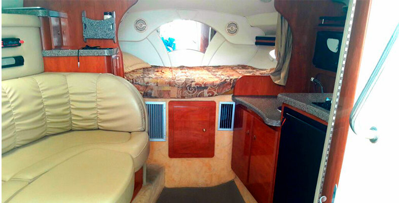yacht rentals in Cancun, luxury yachts for rent, luxury charter, private charter, yacht charter, economic yachts for rent, cancun, isla mujres, puerto aventuras, cozumel, rinker 33 feet