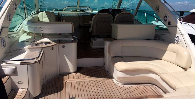 Luxury Yacht rentals in Cancun, Sundancer 48 feet, isla mujeres, cancun, puerto morelos, puerto cancun, puerto aventuras, playa del carmen, cozumel, tulum, Private charter, Luxury charter, caribbean Charter, Yacht for rent