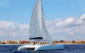 Yacht Charters in Cancun, Luxury, Puerto Aventuras, 46 feet,catamaran, private Charter, Snorkel Tour